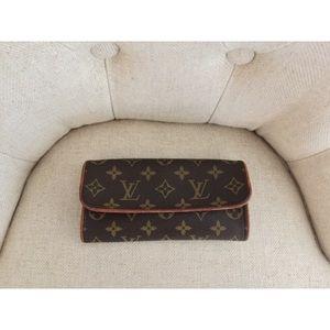 Louis Vuitton Twin Pochette